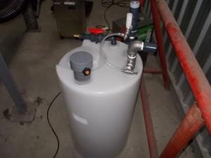 酸化機能水を排気ダクトの中でスプレー噴霧