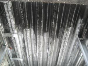 煤のついている箇所すべてを洗浄